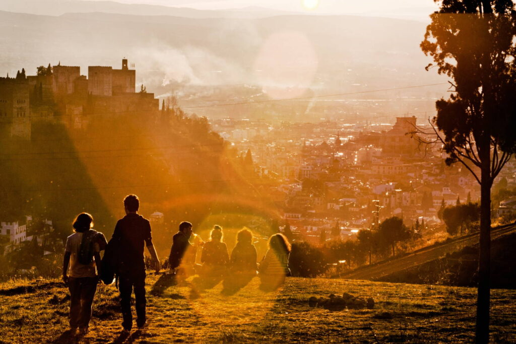 Granada, Spain Sunset Victoriano Izquierdo/unsplash.com