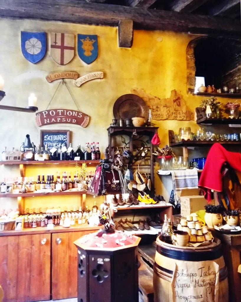 Olde Hansa Shoppe photo by Alexandra Nima